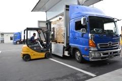 100-4グループ内運送会社N・Kラインを通じて全国へ出荷
